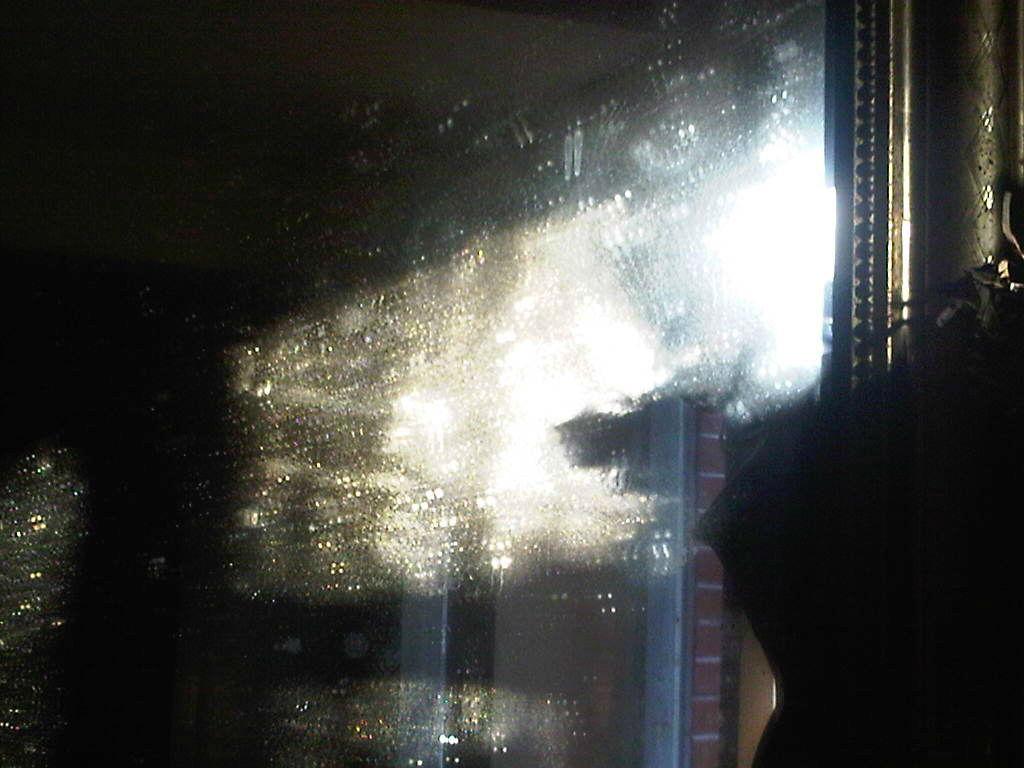 665 − Le bal des atomes (ou la fenêtre)